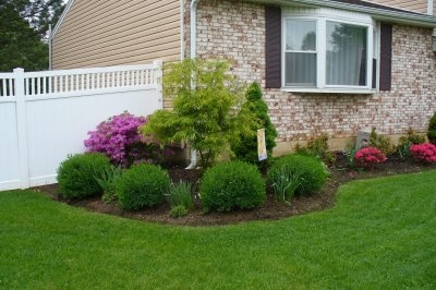 Simple Landscaping Ideas to Make Big Impact | Gardening ... on Simple Backyard Landscaping Ideas id=11220