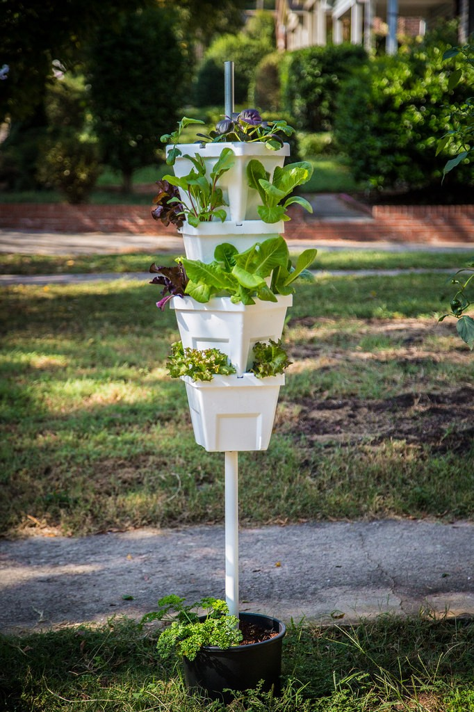 Magic tower hydroponic system